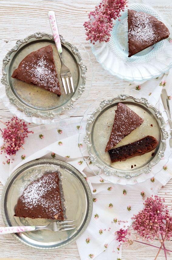 Torta di cioccolato fondente e ricotta senza burro e senza lievito