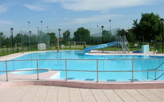 Nuotare in piscina in provincia di Milano