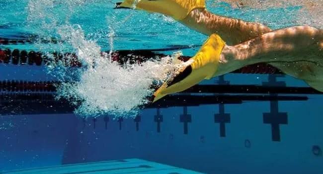 Z2 Zoomer pinne corte zetaTwo FINIS swimmershop allenamento nuoto piscina