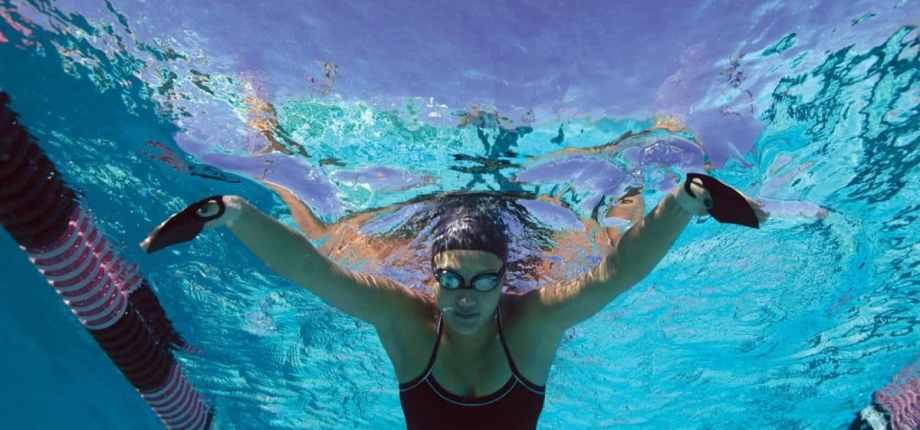 Instinct palette allenamento nuoto swimmershop FINIS mezze palette dita allenamento nuoto