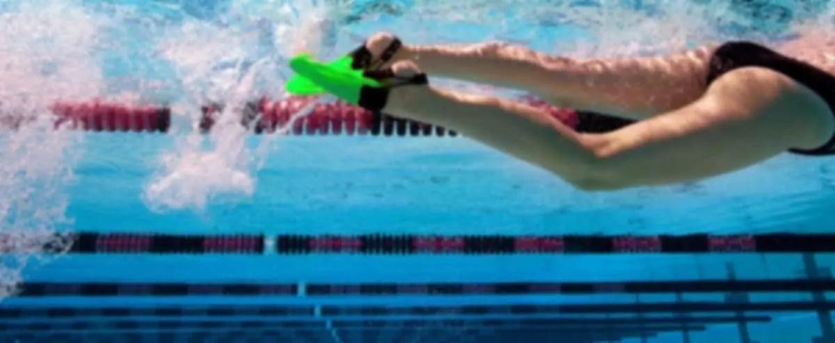 Allenamento misti con pinne tonde nuoto necessario e produttivo - Pinne per piscina ...