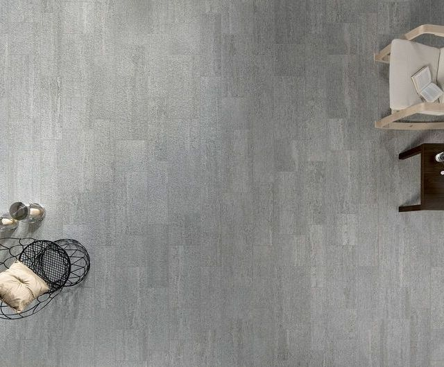 https://i0.wp.com/www.nuovaceramichemarmolada.it/wp-content/uploads/2017/12/Ceramiche-Keope-Smart-Pietra.jpg?resize=640%2C530&ssl=1