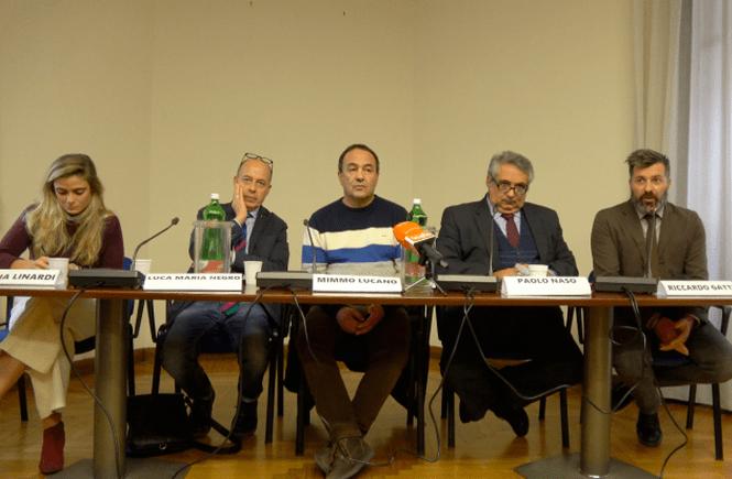 """Mimmo Lucano: """"C'è un'altra narrazione che fa maturare una coscienza nuova"""""""