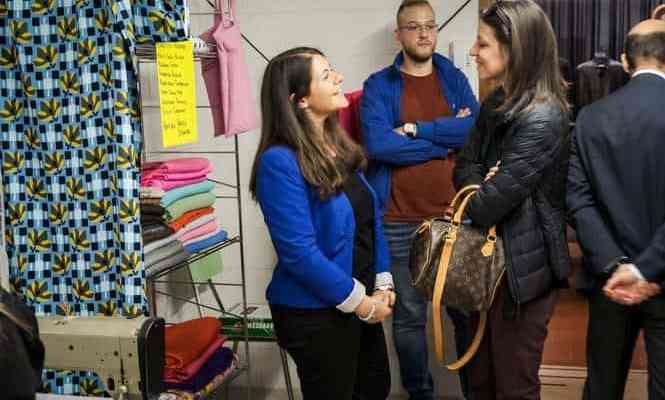 Economia del dono: sulla passerella gli abiti usati del Bazar solidale