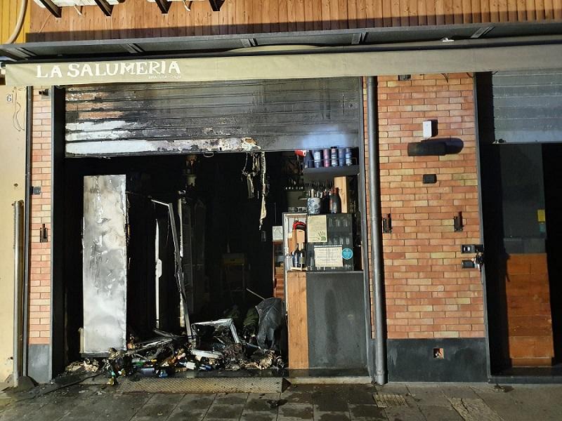 Siracusa, fuoco al ristorante dei fratelli Burgio: forse la mano del racket