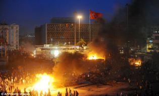 riot-with-fire-istanbul-turkey