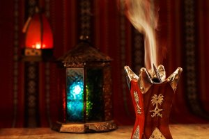 bakhoor burning beautiful fragrance