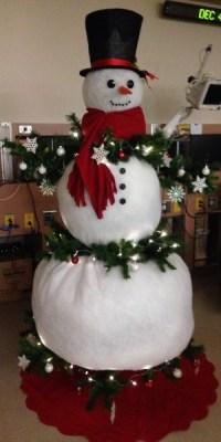 DIY Christmas Decor Ideas For Nurses - NurseBuff