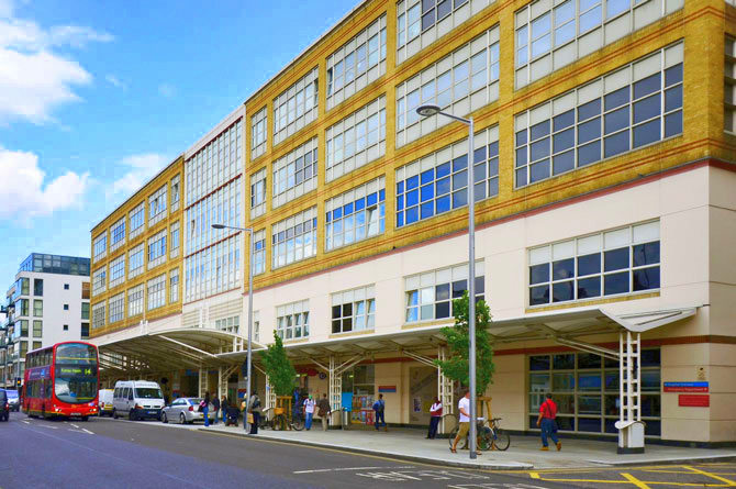 Chelsea and Westminster Hospital NHS in UK hiring staff nurses, annual salary up to ₱1.99M