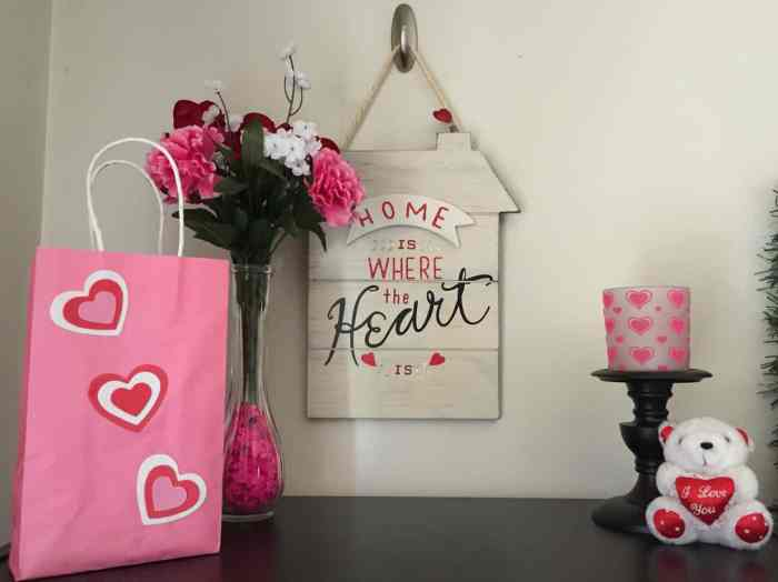Pantry-Display-Pink-Flowers-Hearts