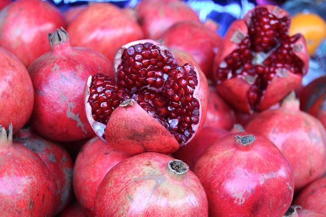 melograni chicchi rossi