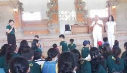 Nusabali Com Parwata Hadiri Perayaan Paskah Anak Anak Sekolah
