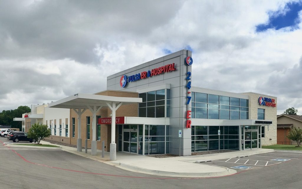 Photo of the outside of the newly-opened Tulsa ER & Hospital