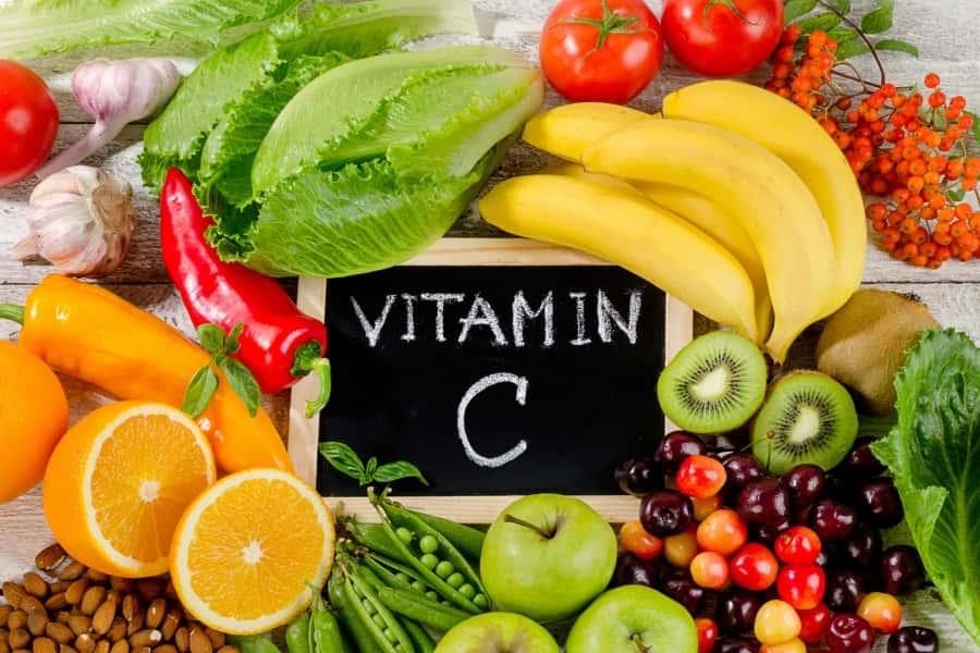 Vitamina C – proprietati, indicatii si posibile interactiuni cu medicamentele