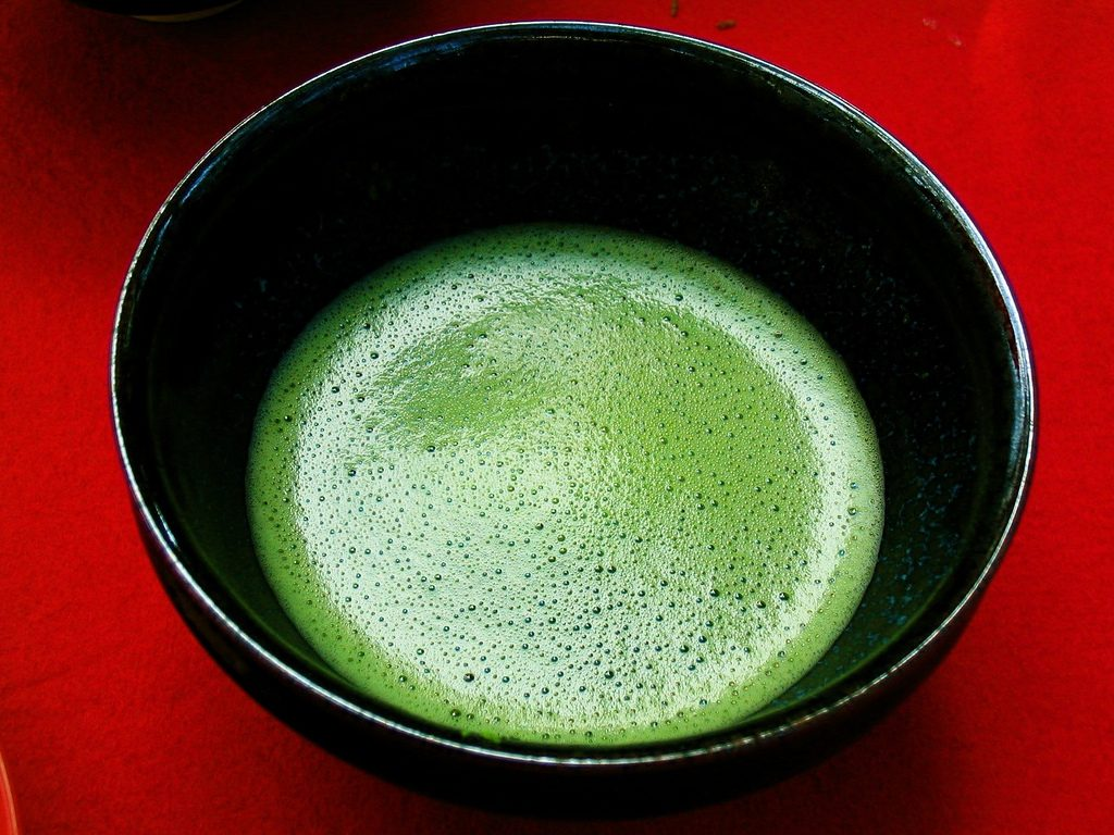 matcha tea in cup