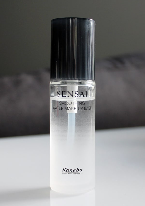 sensai-smoothing-water-make-up-base-02