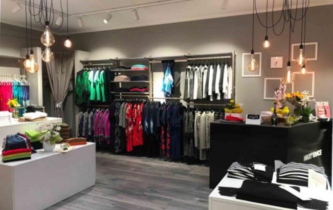 Molti centri commerciali e negozi utilizzano i rossi per attirare i clienti verso la vendita di articoli. Colori Per Pareti Negozio Guida Alla Scelta Giusta