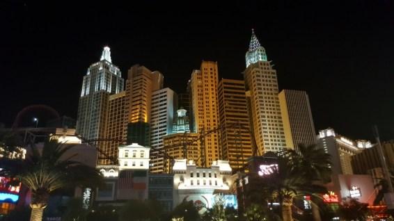 Hôtel NY NY by night