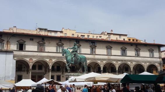 Lungarno Piazza della Santissima Annunziata