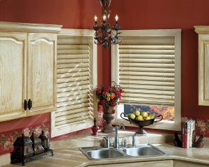 Hunter Douglas Parkland Wood Blinds in Castle Rock