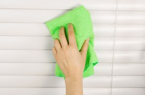 How to Clean Aluminum Blinds