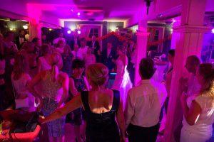 NvE drive-in show ook voor huwelijksfeesten
