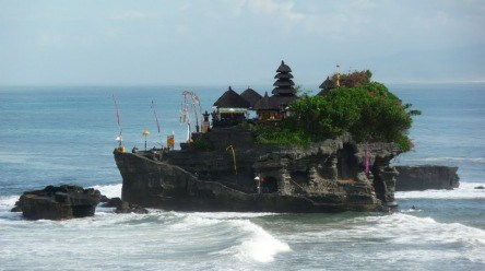 https://i0.wp.com/www.nvisible.com/nvisiblegraphics/ph/9/TanahLot3.jpg?resize=444%2C248