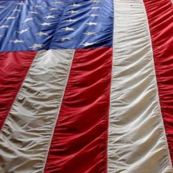 American-flag-hanging-down-jpg_20151124231029-159532