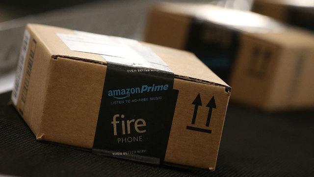 Amazon boxes on conveyor belt_1480353354960_153918_ver1.0_640_360_1541360557246.jpg.jpg