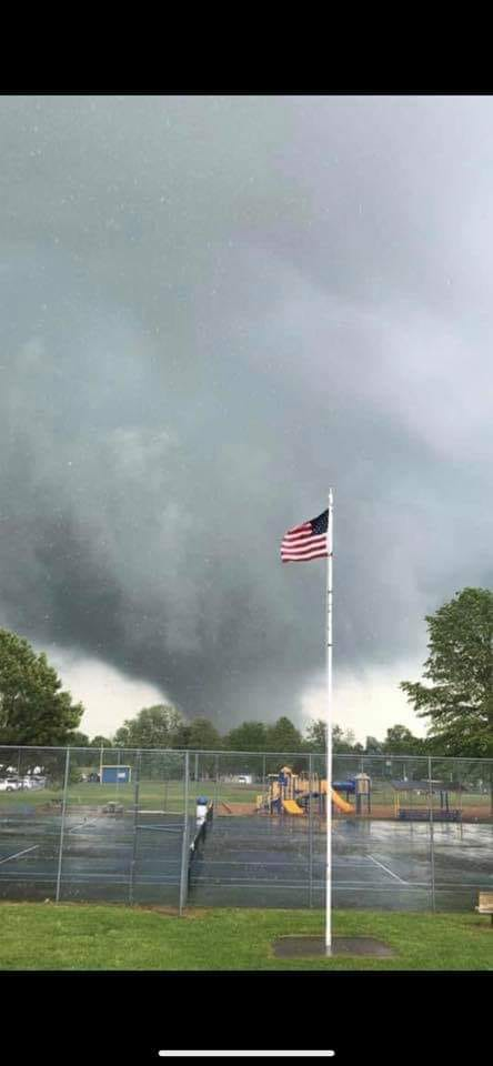thumbnail_BOONE CO TORNADO CTSY Coleman Phillips AND HARRISON NCA WEATHER_1556658950659.jpg-118809306.jpg