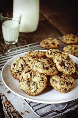 https://i0.wp.com/www.nwasianweekly.com/wp-content/uploads/2012/31_28/food_cookies.JPG?resize=300%2C450