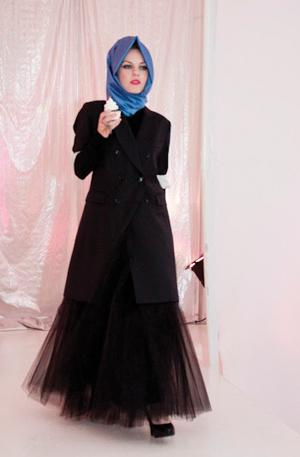 https://i0.wp.com/www.nwasianweekly.com/wp-content/uploads/2012/31_28/nation_hijab4.jpg?resize=300%2C457