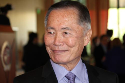 https://i0.wp.com/www.nwasianweekly.com/wp-content/uploads/2015/34_15/front_takei.JPG?resize=500%2C333