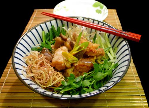 https://i0.wp.com/www.nwasianweekly.com/wp-content/uploads/2015/34_20/food_gumbo.jpg?resize=500%2C361