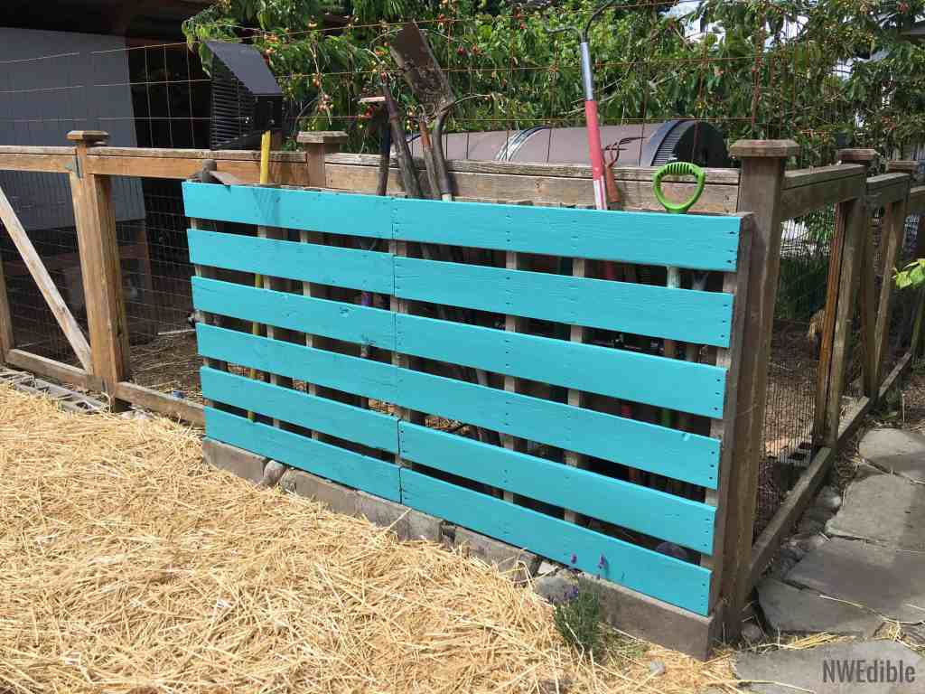 Build A Super Simple Tool Rack From A Pallet | Northwest ...