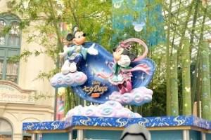 東京ディズニーランド「七夕デイズ」のモニュメント