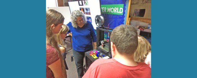 Joanne teaches how to use the 3D Printer