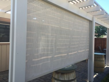 Stucco 90% cable guided solar shade