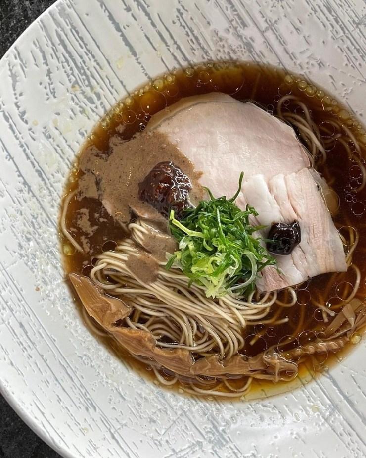 Black garlic soba
