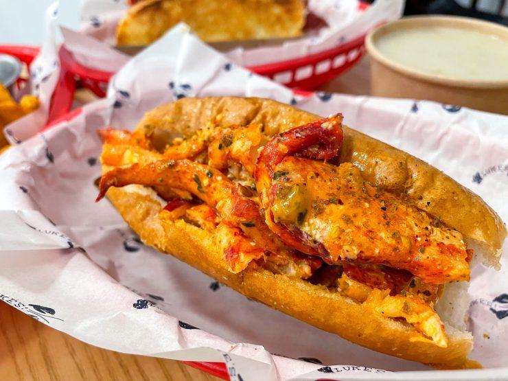 mala lobster roll