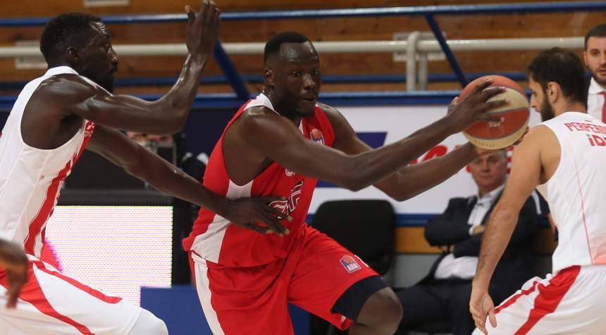 South Sudanese Australian, Duop Reath(center), during a basketball tournament(Photo credit: pickandroll)