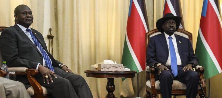 South Sudan president Salva Kiir, left, meeting opposition leader Dr. Riek Machar Teny in Juba (File/Supplied/Nyamilepedia)