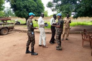 UN mission in South Sudan peacekeepers meeting SSPDF commanders in Tonj (Photo credit: UNMISS)