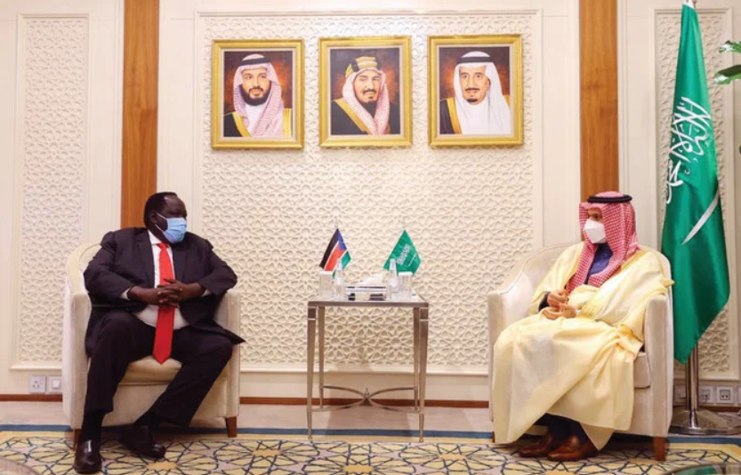 South Sudan Security Adviser Lt. Gen. Tut Gatluak meeting the Saudi's Foreign Minister Prince Faisal bin Farhan in his office in Riyadh on Sunday, Dec 13, 2020(Photo credit: SPA/Nyamilepedia)