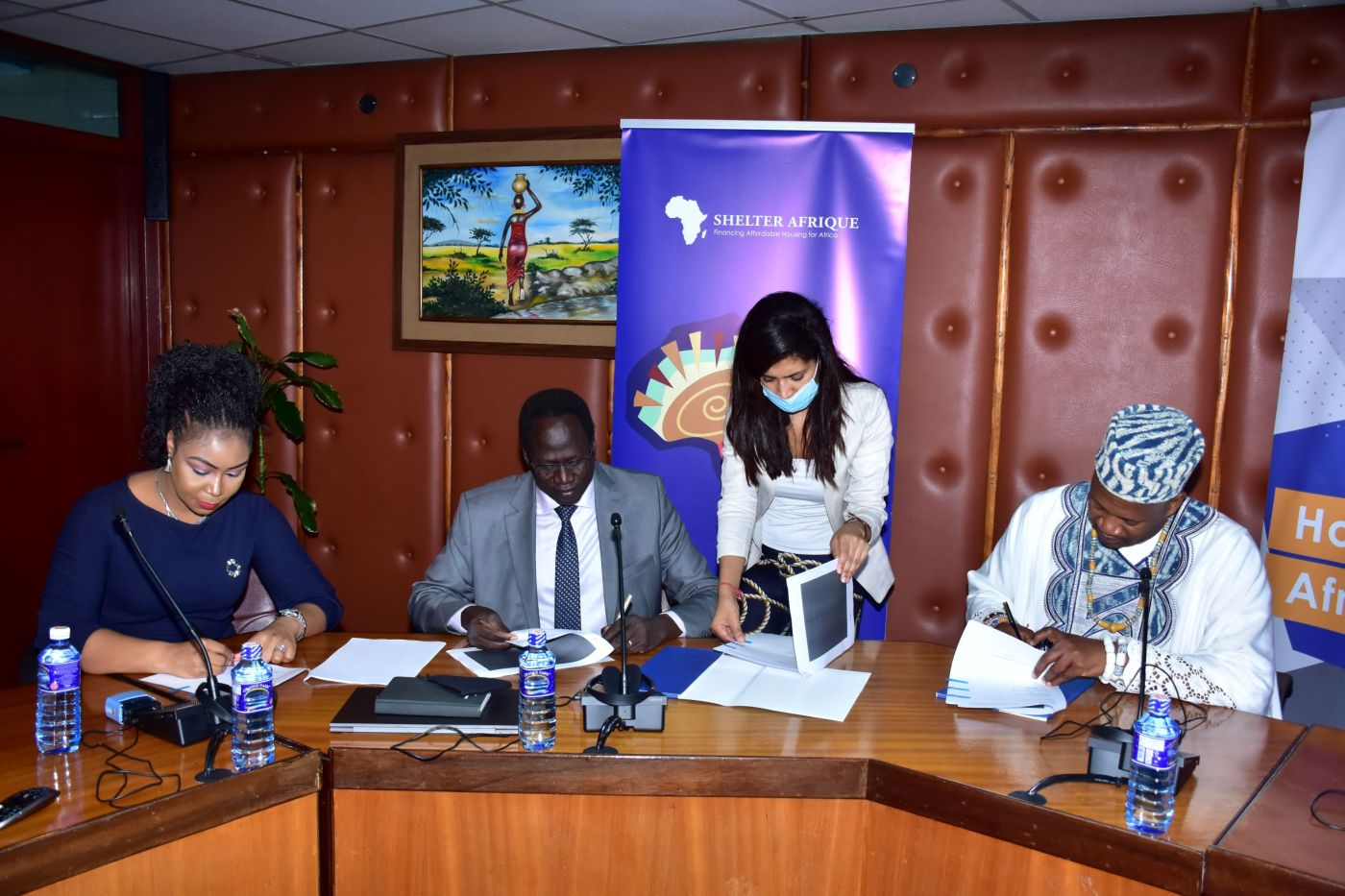 Shelter Afrique Chief Executive Officer Andrew Chimphondah andTriangle Real Estate Chief Executive OfficerAmb. Arop Deng Kuol, on behalf of theMinistry of Finance and Planning for the Government of South Sudan(Photo credit: courtesy image)