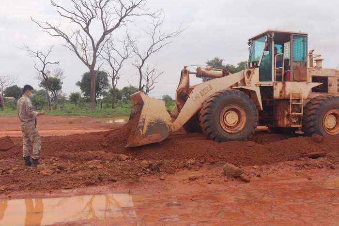 Chinese peacekeepers undertake road rehabilitation project in Wau