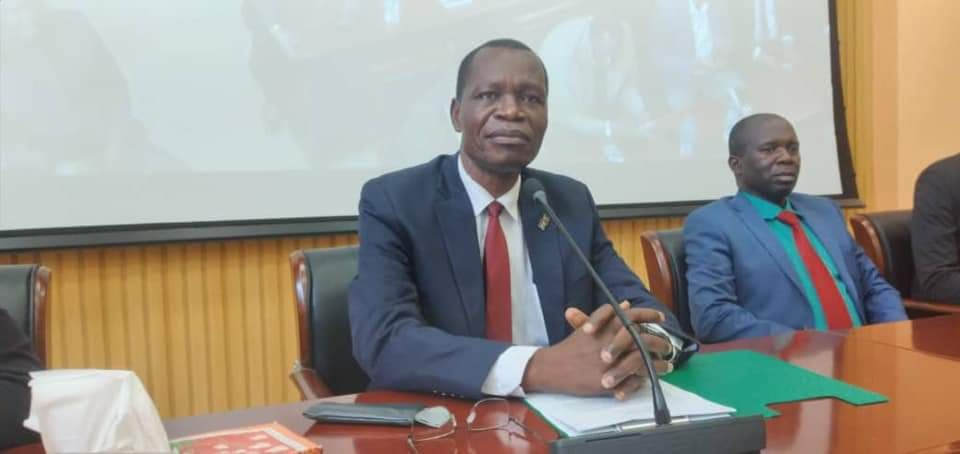 Hon. Joseph Bakosoro, former Chairman and C-in-C of SSNMC and former governor of Western Equatoria speaks after rejoining the SPLM(Photo credit: supplied)