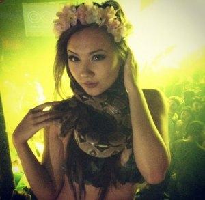 Single Asian Escort Girl - Jojo