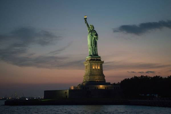 Statue Of Liberty National Monument Official Guide York City