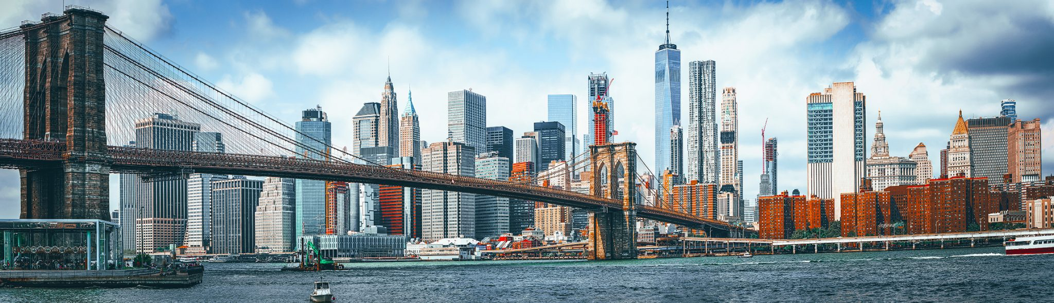 View of the Brooklyn Bridge and lower Manhattan